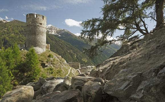 fb-obervinschgau-taufers-ruine-rotund-04